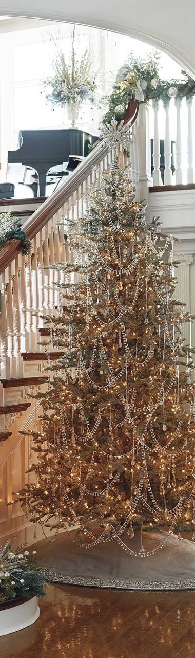 Christmas tree. ❣Julianne McPeters❣ no pin limits