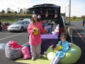 Slumber Party Trunk or Treat - plus 15 other amazingly thrifty Trunk or threat decorating ideas on this post.