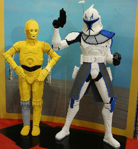 Clone Wars Trooper Life-Size Lego Models Are Awesomely Huge