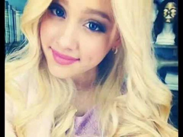Ariana Grande With Blonde Hair Victoria Dawn Justice As