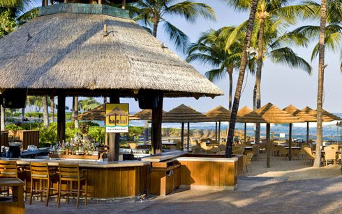 Hale Kai Restaurant - The Fairmont Orchid, Hawaii.  The PERFECT spot for outdoor dining <3