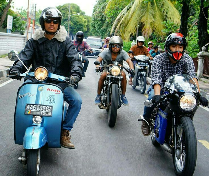 Lets ride guys,,, #Caferacer #Yamaha #Scooter #Vespa