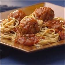 Almôndegas em Molho de Tomate com Natas - http://www.receitassimples.pt/almondegas-em-molho-de-tomate-com-natas/