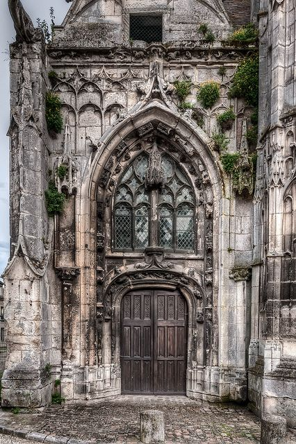 #Medieval Doorway, #Senlis, Oise, Picardy / Picardie, France photo by tonybill #Gothic architecture