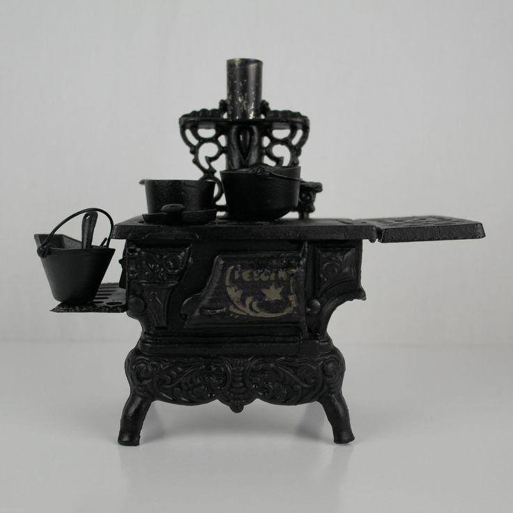 Винтажный миниатюрный Чугун дровяная печь по образцу Полумесяца Продавец | Чугун | Старинные и Антикварные игрушки - Zeppy.ИО