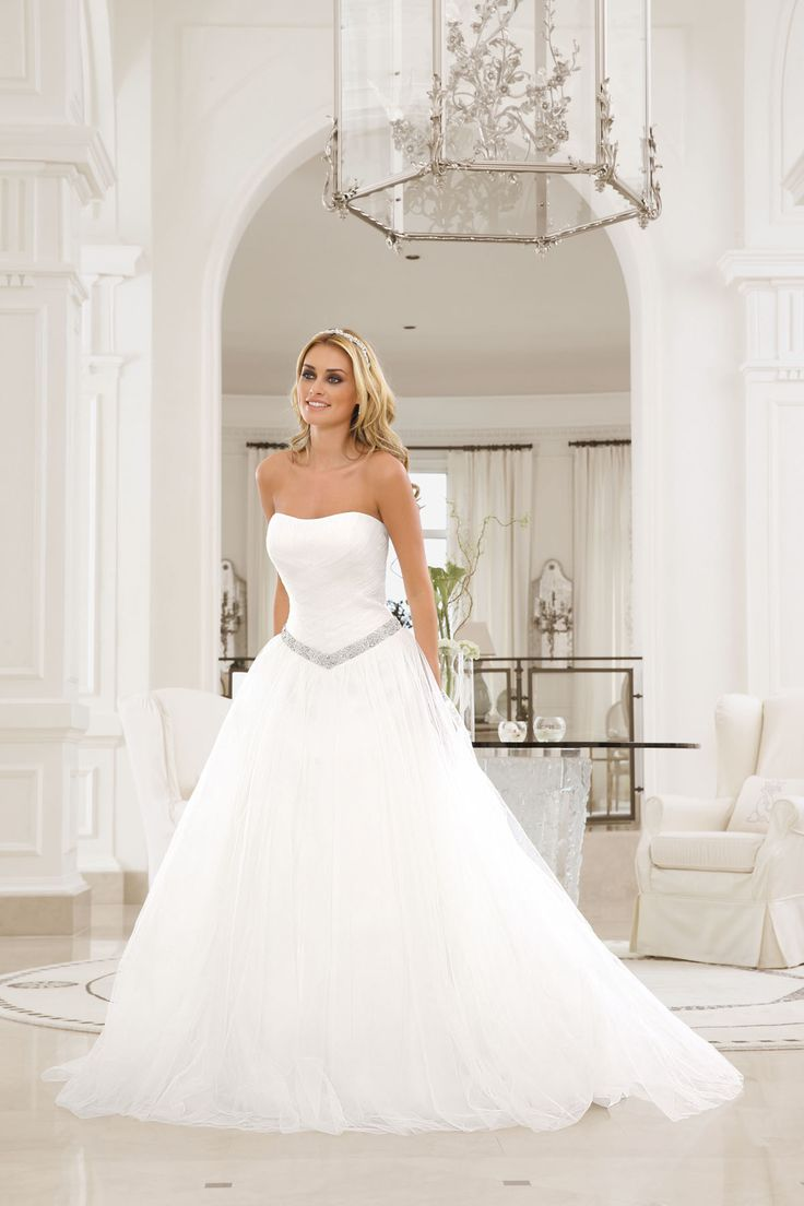 Brautkleid aus der Ladybird Brautmoden Kollektion 2015 :: bridal dress ...