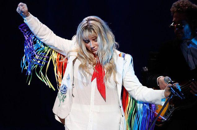 Kesha's Tour Hits Brooklyn With Defiant, Triumphant & Tearful Set…