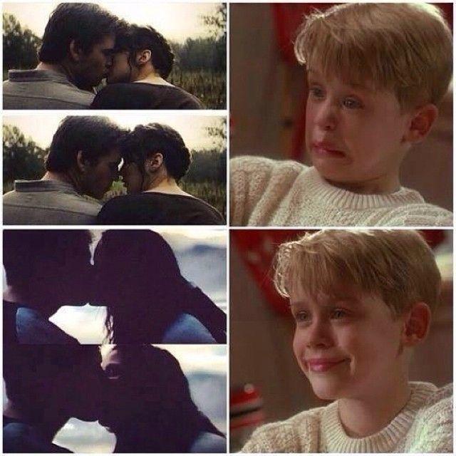 Reactions to Katniss and Gale kissing vs Katniss and Peeta kissing. I love Peeta way more than Gale
