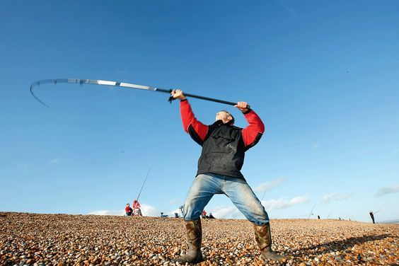 Casting a surf fishing rod