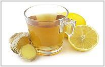 Wil je nu verzachting voor die nere, rauwe keel en dat algehele gevoel van verkouden zijn? Ik heb de oplossing voor dit nare gevoel: maak deze heerlijke gember-citroen-honing thee!