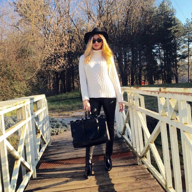 Into the woods #fashion #outfit #outfits #beauty #bloggers #priestessofstyle #style #styles #fashionblogger #fashionblogger #coat #sweater #hat #boots #bag #pants #leather #sunglasses