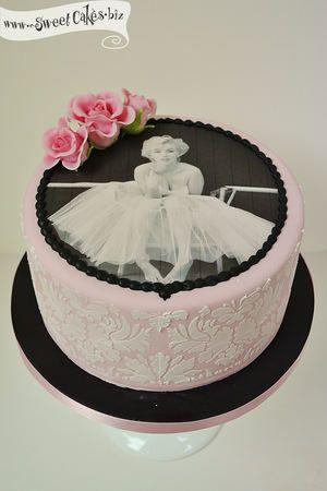 Marilyn Monroe Birthday Cake My birthday cake!!! Thanks again Tasha!!!