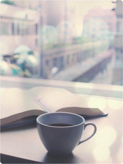 Un libro y un café