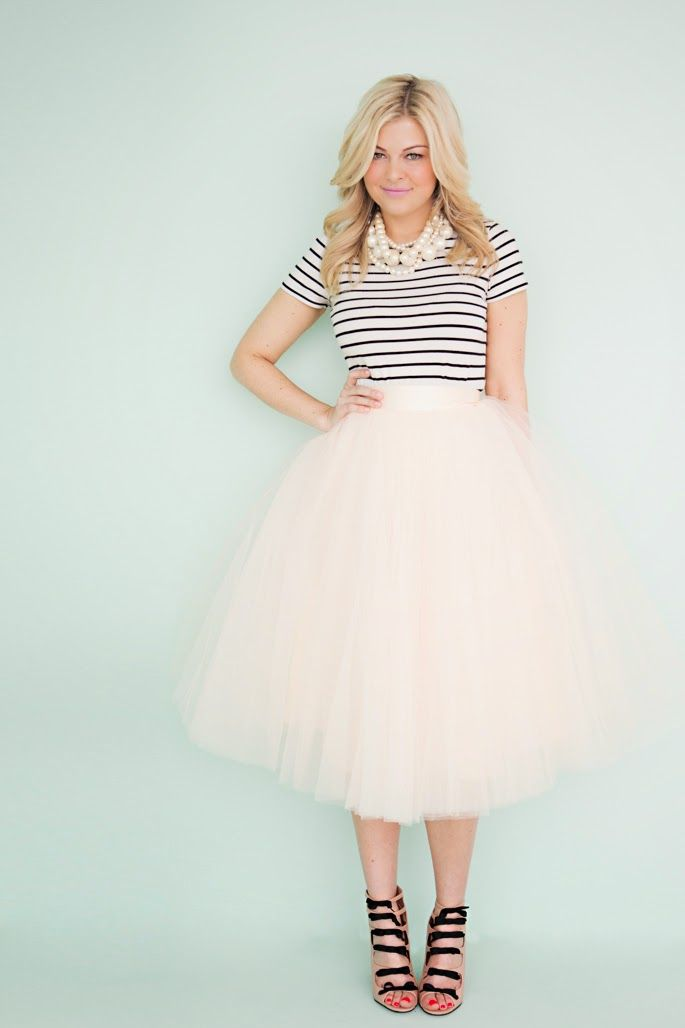 Everything here is pure cuteness. Adult tulle skirt. Space 46 tulle. Blogger Krystin Lee.