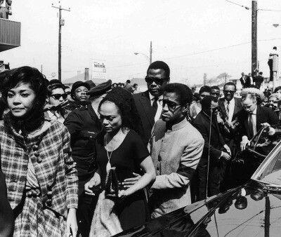Nancy Wilson, Eartha Kitt, Sidney Poitier, and Sammy Davis Jr. arriving at Dr. Martin Luther King, Jr.'s funeral #BlackHistory