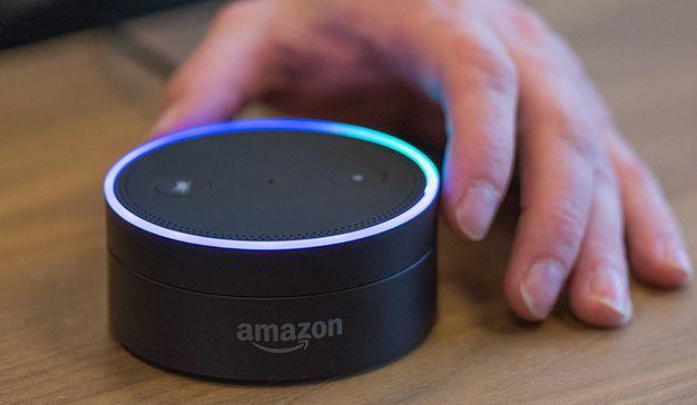 Cada vez más consumidores utilizan Alexa para comprar   Marketing Directo      Amazon, después de cerrar una campaña navideña de récords, confirma el avance de la compra por voz con Alexa por las increíbles ventas de Echo y Echo Dot. https://www.marketingdirecto.com/digital-general/digital/consumidores-alexa-comprar?utm_campaign=crowdfire&utm_content=crowdfire&utm_medium=social&utm_source=pinterest