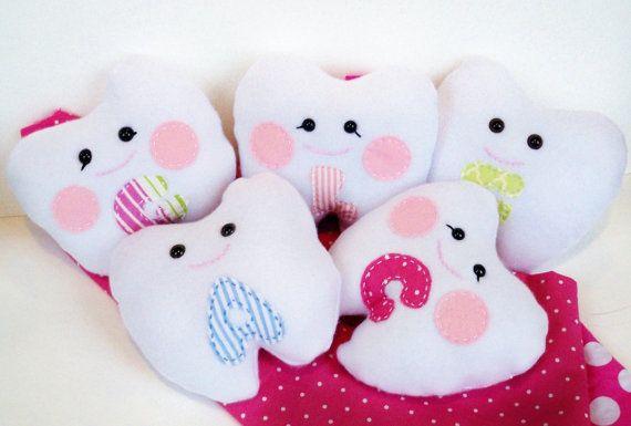 Cute Pillow Treats : 17 Best images about ~Pillow Treats~ on Pinterest School treats, Party favors and Favor boxes