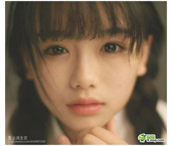 白い肌に黒い髪のおさげ少女、もう何年見ていないだろう。日本においてはほぼ絶滅、海外でも都市部ではあまり見られない。  絶滅したと思われていた黒髪おさげ少女がネッ …