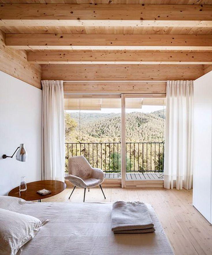 Vigas a la vista en el dormitorio #madera #techo
