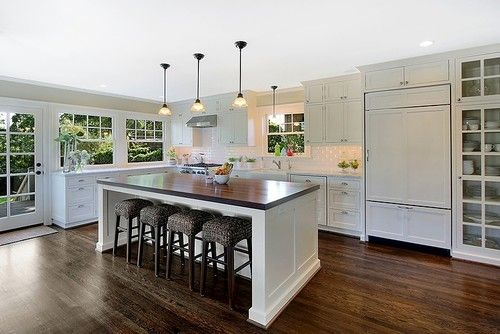 traditional kitchen by Logan's Hammer Building & RenovationLogan Hammer, Barstools, Hammer Buildings, Traditional Kitchens, Kitchens Ideas, Kitchens Islands, Bar Stools, Open Kitchens, White Kitchens