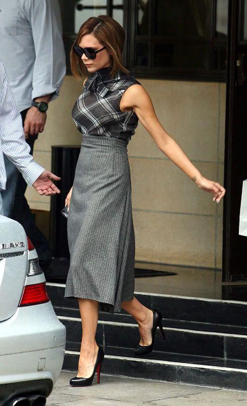 Victoria Beckham : street style, cushworthy plaid style!