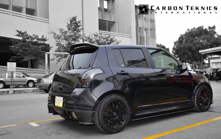 July 2014, Full carbon swift sports with TM style carbon fenders, CS style carbon hood and many other parts. Picture 03