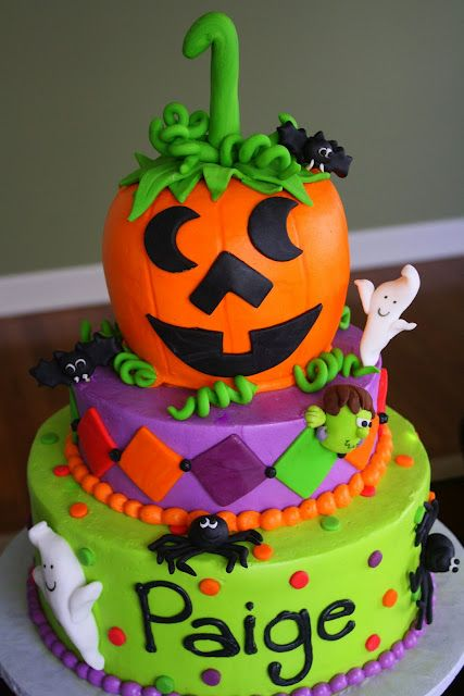 Halloween 1st Birthday Cake. Although my kids birthdays aren't on Halloween, its still cute and I'd make this for a Halloween party :)