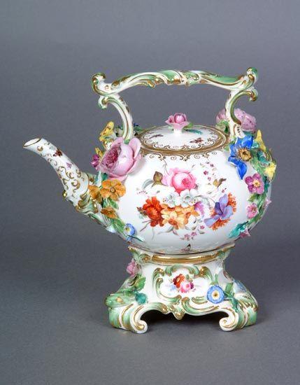 Coalbrookdale (Shropshire, England) —  Tea Kettle and Cover, c1825-1830 (429x550)
