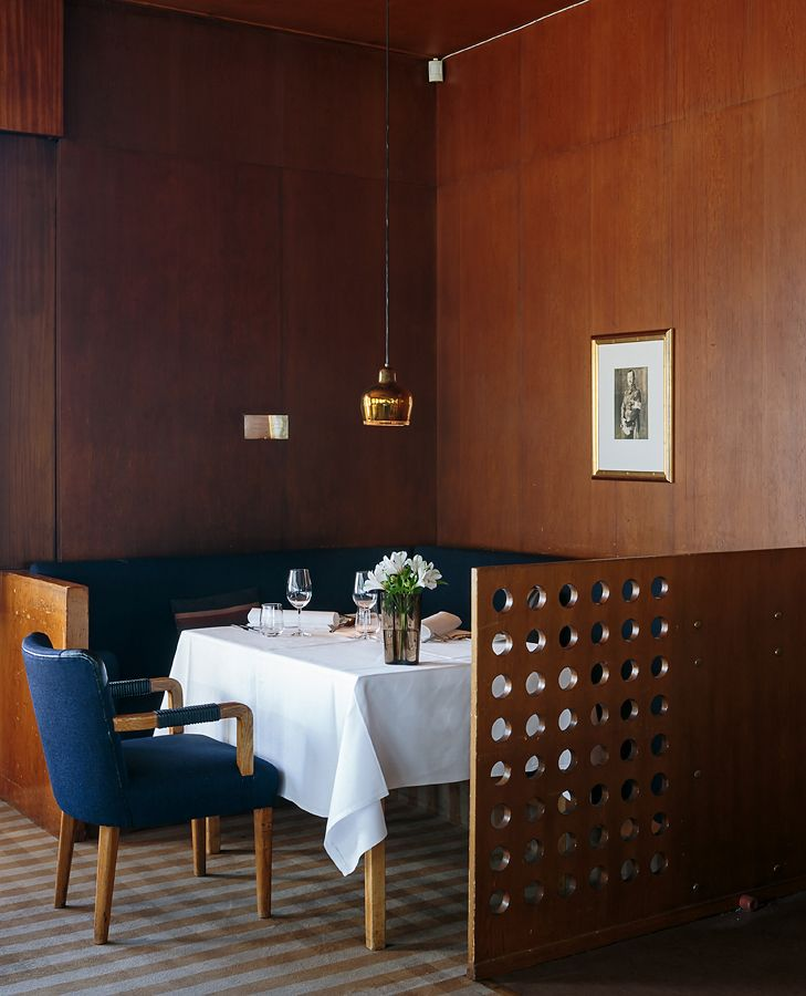 ALVAR & AINO AALTO, Restaurant Savoy in Helsinki, Finland (1936). The Golden Bell pendant lamp was originally designed for the same restaurant. Photography by Tuomas Uusheimo