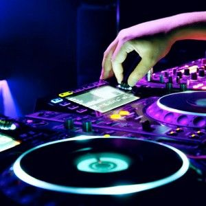 Are you an aspiring or professional DJ looking for new DJ Mixers? Head over to Scratch Shack for the latest DJ Turntables, Mixers, Controllers, and other DJ Gear. The offer the best prices online.