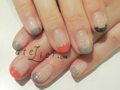 *Highlighted this manicure because of the delicate use of gold caviar beads. 黒、グレー、オレンジ
