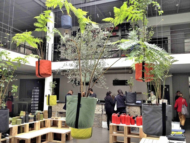 Inspiration from Paris - The shop Merci    See more pictures here:    http://franciskasvakreverden.blogspot.no/2013/04/duggfersk-inspirasjon-fra-paris.html