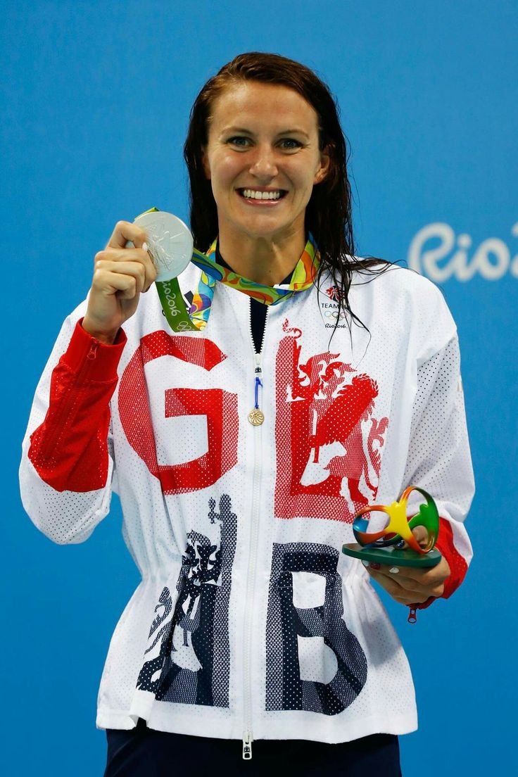 RIO DE JANEIRO, BRAZIL - AUGUST 07: Silver medalist Jazz Carlin of Great Britain poses on the podium during the medal ceremony for the Women's 400m Freestyle Final on Day 2 of the Rio 2016 Olympic Games at the Olympic Aquatics Stadium on August 7, 2016 in Rio de Janeiro, Brazil. (Photo by Clive Rose/Getty Images)