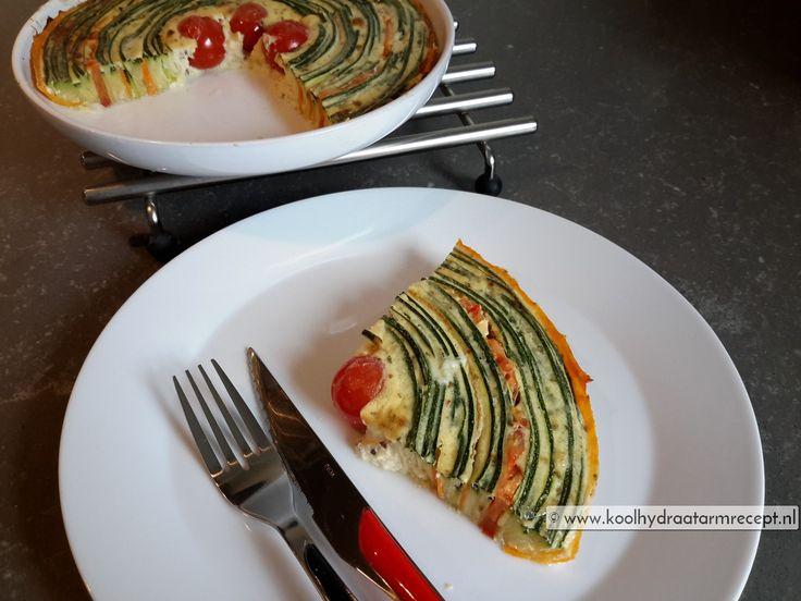 Een hartige taart is altijd goed en meestal makkelijk vooraf te maken. Deze spectaculaire spiraal groentetaart is werkelijk een prachtig plaatje om te zien.