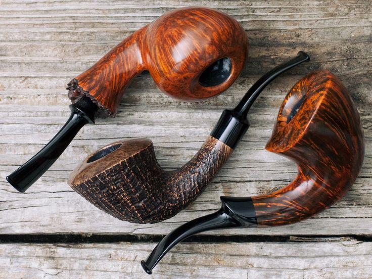 Four pipes from Danish carver Lasse Skovgaard plus fresh pipes from Jody Davis G. Penzo and Manduela. http://smokingpip.es/2weJwZA