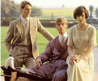 Fashions still engaging nearly 30 years later......lets have a BridesHead Revisited Party......