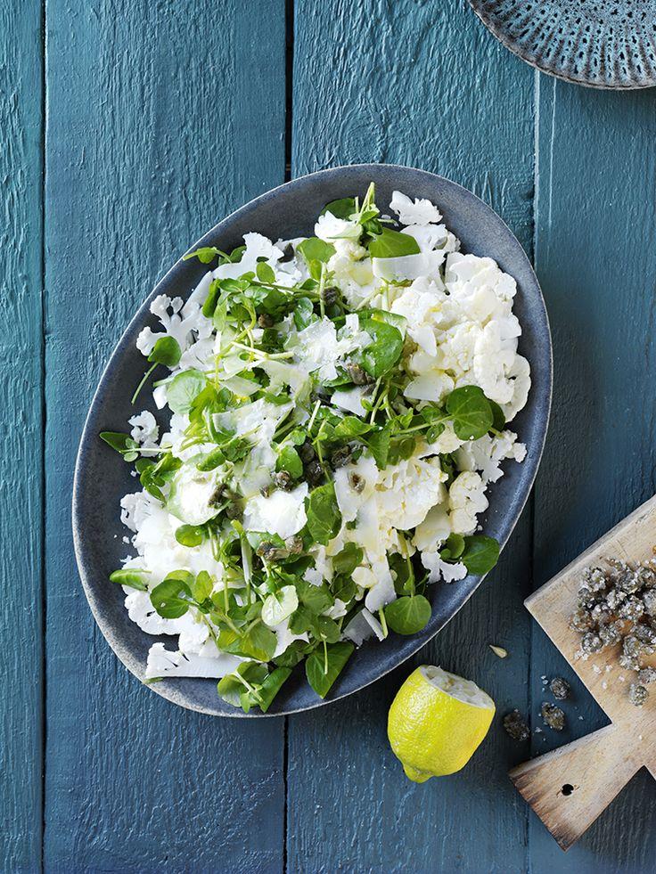 blomkålssalat med kapers og parmesan - Louisa Lorang