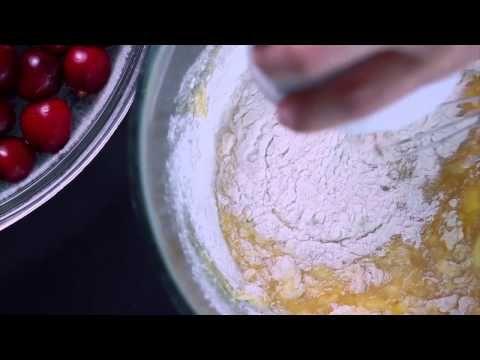 Во Франции сняли рецепт пирога на видео. Когда мир увидел это через 45 мин, всех понесло на кухню. Камера сняла все, что она на самом деле делала, когда пекла этот пирог. Результат покорил всех. | Узнал сам - расскажи другому.