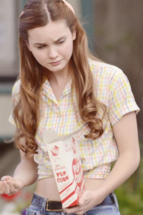Liana Liberato is an American television and film actress. Liana is known for the 2010 film, Trust and also appeared in upcoming movie Haunt.