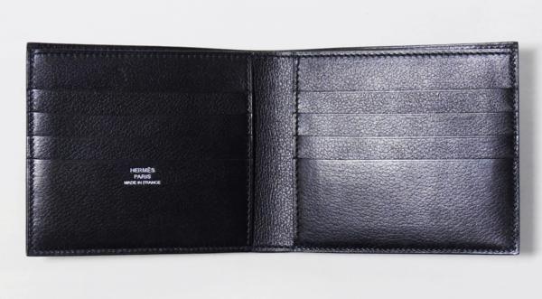 『送料、代引き料無料!』エエルメス メンズ財布 MC2 コペルニクス ブルーインディゴ エヴァーグレイン HERMES 商品コード:hw254 エルメスのシンプルなお財布「COPERNIC」です。 フランス製 サイズ W約11cm、H約9cm 素材、カラー VEAU EVERGRAIN(仔牛革) カラーはBLEU INDIGO(青藍) 仕様 PORTEFEUILLE MC2 COPERNIC VEAU EVERGRAIN H043012CA 76 二つ折りカードポケット付折財布 お札入れX1、カード...
