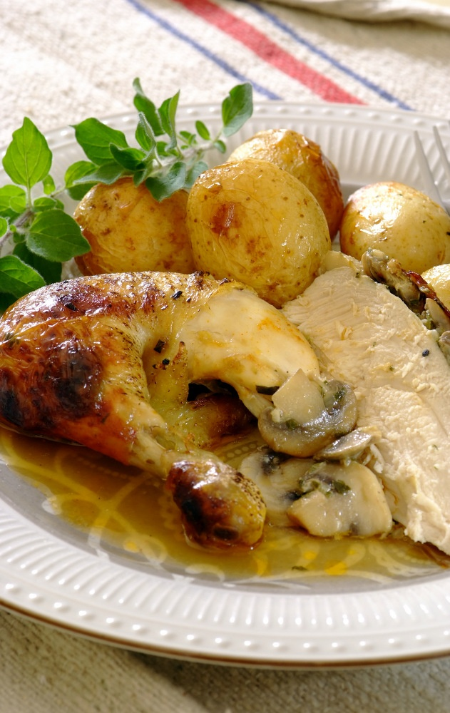 Try something different with your roast chicken tonight by stuffing it with a delicious mushroom, onion and cream cheese mixture. Then simply pop it into a KNORR Cook-in-Bag for a succulent and tender roast!