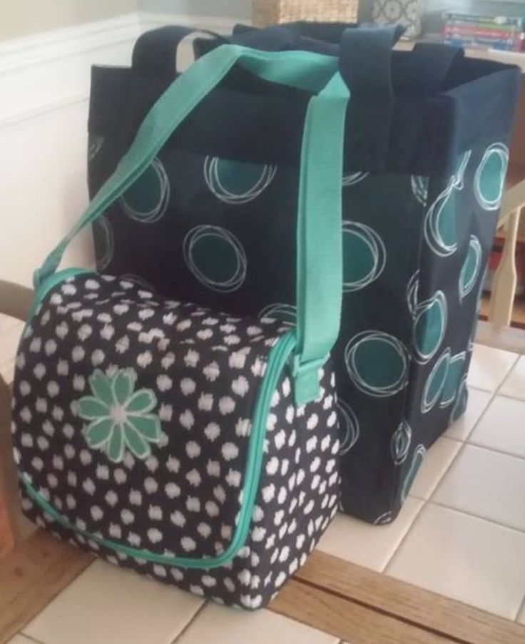 Thirty One thermal and essential storage tote. Great lunch box. Pack n go. Grocery shopping. Check out this and other Thirty One bags and totes at www.jennpennbags.com