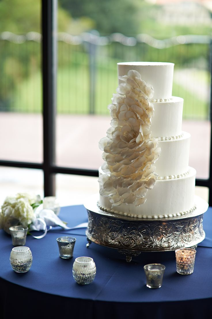 White Wedding Cake | Petal Detailing | Votive Cnadles | Cake Table | Navy Blue Linens | Premiere Party Central | Omni Barton Creek Resort and Spa | Bouquets of Austin | Fernando Weberich Photography | Pearl Events Austin