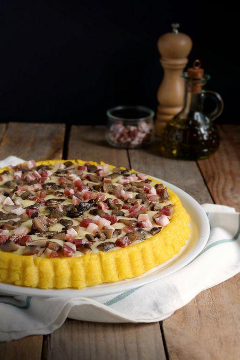 Crostata di polenta con formaggi, funghi e pancetta