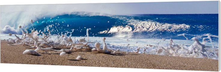 Pipe foam. Een schuim golf spat het strand op aan de noordkust van Oahu, Hawaii. Luxe wanddecoratie van Wallstars.