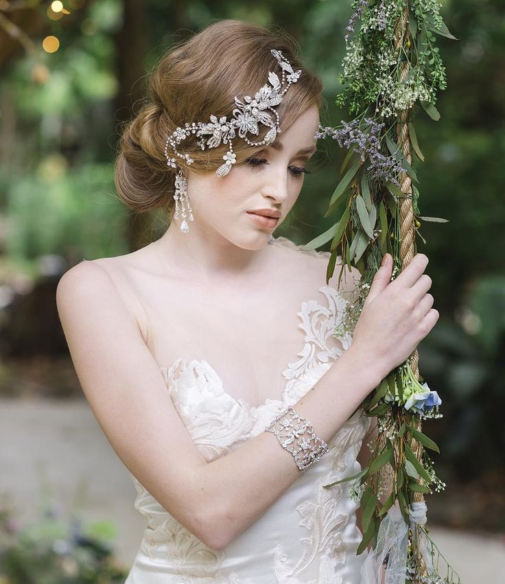 BRIDAL SHOOT || As we get closer to the big reveal of our latest issue of Queensland Wedding & Bride we can't help but look back at one of our favourite shoots from an archive edition || We were so lucky to have the talented team from @vellumstudios_steve behind the lens @ambermoratti on hair and makeup for the gorgeous @yanst3r wearing @jordannaregancouture and @belle.folie.designs accessories with gorgeous flowers from @caraclarkdesign and styling by @alittlevintagebliss at @teaandniceties…