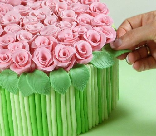 How-to-DIY-Bouquet-of-Roses-Cake-Decoration-10.jpg