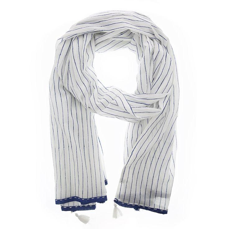 Witte sjaal met donkerblauwe strepen van Otra Cosa – 1662