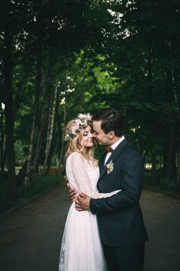 Nature-Inspired Polish Wedding at Gorzelnia 505 #gardenwedding #flowercrown