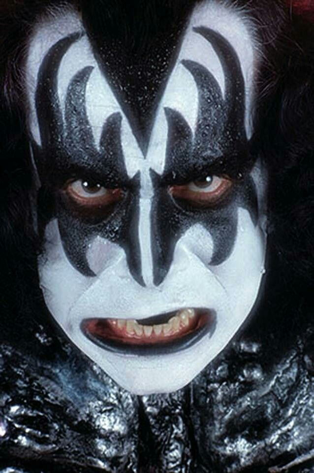 gene simmons kiss 70s. gene simmons, horror movies, kiss simmons 70s t